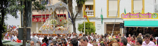 The procession of La Morenita